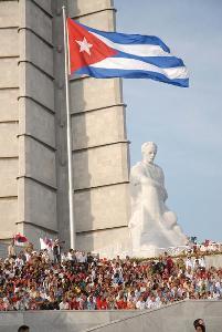 Colaboradores cubanos en Venezuela felices de la nueva demostración patriótica del pueblo